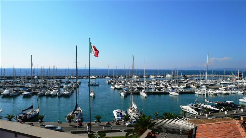 Attico fronte porto Punta Ala