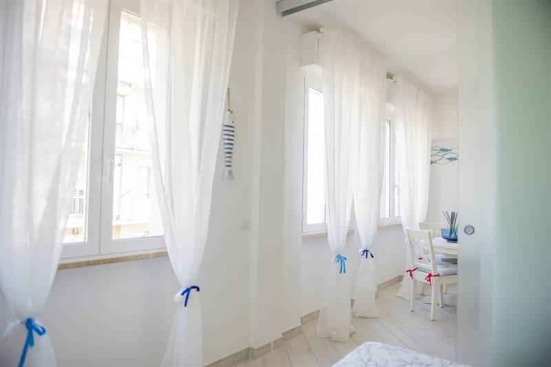 Nuovo appartamento 2/4 posti - vista mare - ottimamente rifinito