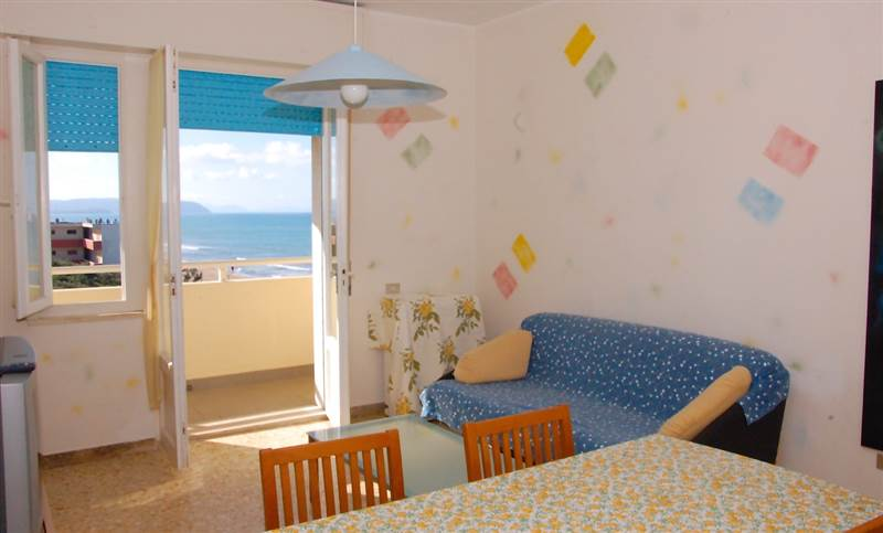 San Vincenzo (LI) -Four-roomed apartment in front of the sea
