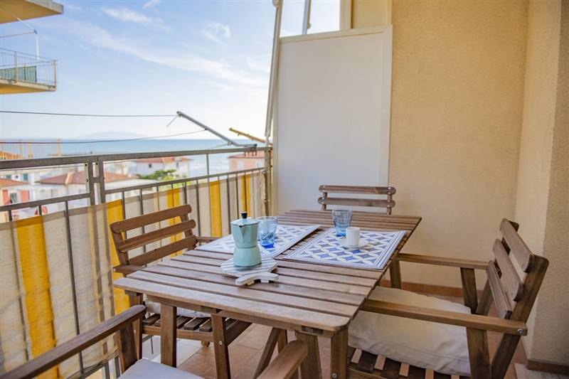Fine apartment with sea view - close to the beach -