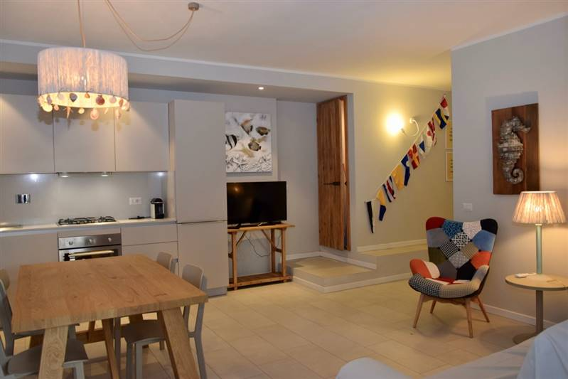 San Vincenzo (LI) - New renovation - Apartment 6/8 beds in villa 50 meters to the sea - two bathrooms