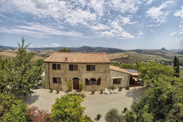 Tuscany - Volterra - Country house