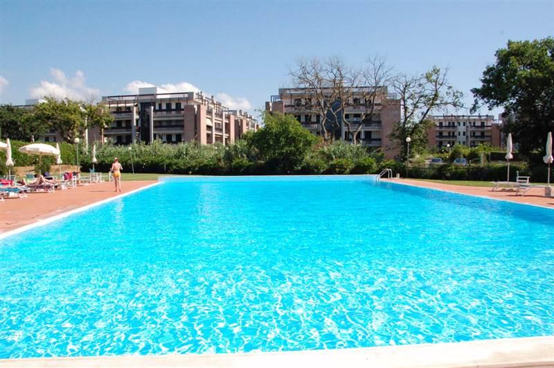 San Vincenzo (LI) - trilocale 7 posti letto - terrazza pranzabile - piscina condominiale