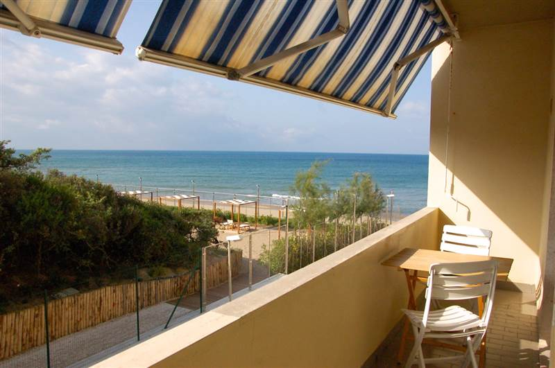San Vincenzo (LI) - Three-roomed apartment direkt am Meer - privat parking
