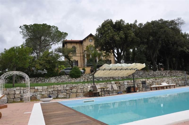 Riparbella (PI) - Villa con parco e piscina