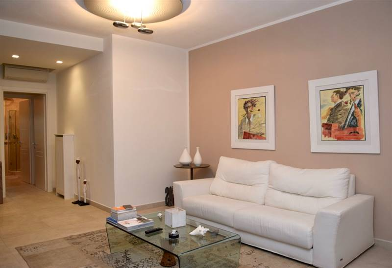 Beautiful apartment with sea view terrace - 200 meters to the beach